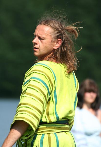 Vytas Kraujelis dans le rôle de Iseult